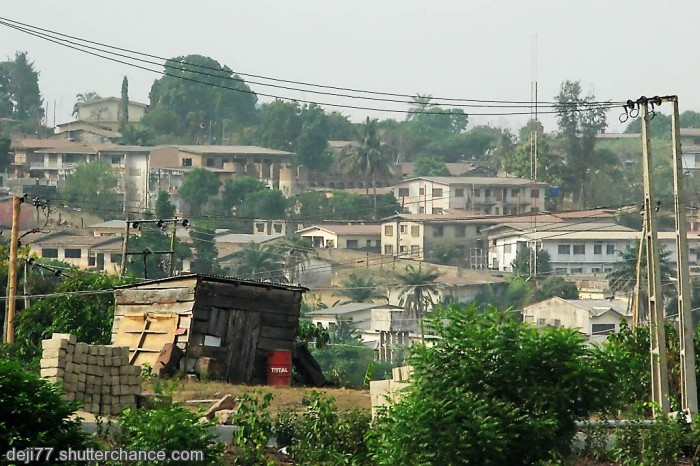 photoblog image BHA - IBADAN - BY THE ROADSIDE #4